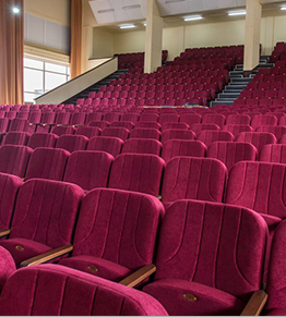 Большой актовый зал ХУВС <br> им. Кожедуба получил новые кресла