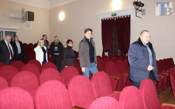 В обновленном доме культуры в Таврийске установлено 177 новых кресел