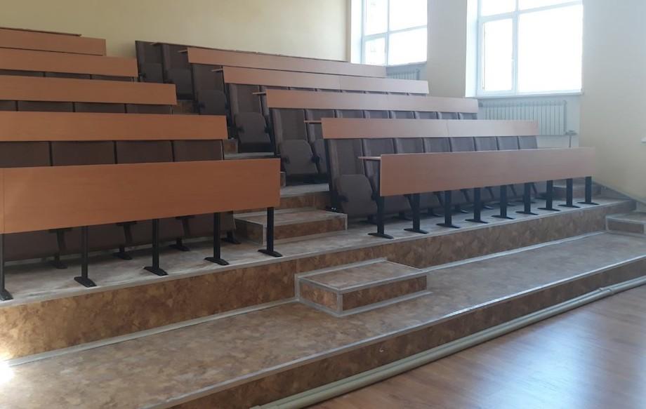 Для лицея в городе Покровск Донецкой области изготовлено 96 кресел со столами