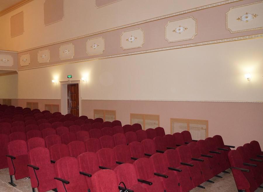 Для концертного зала ДК «Этюд» в Донецкой области изготовлено 327 кресел Лидер