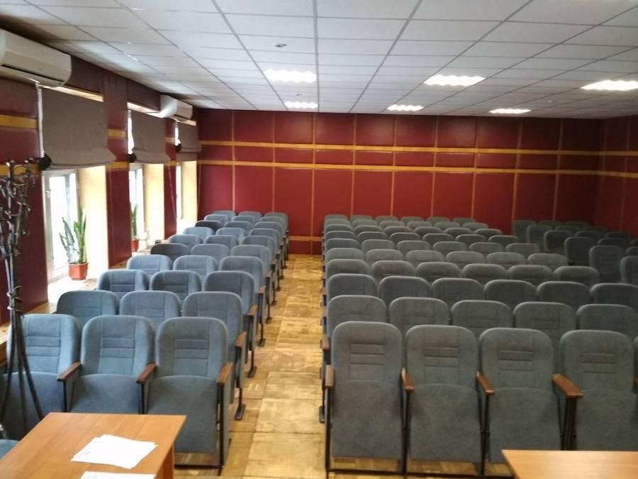 Наши специалисты установили новые кресла для городской больницы №6 в Киеве