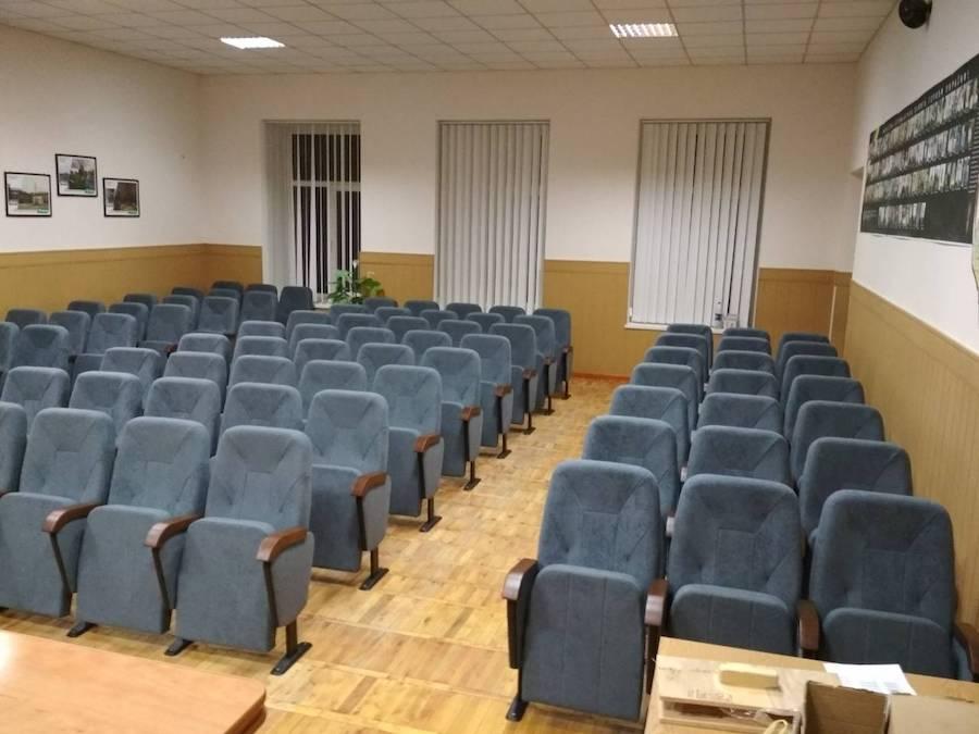 Изготовлено 91 кресло для Районной администрации города Василькова