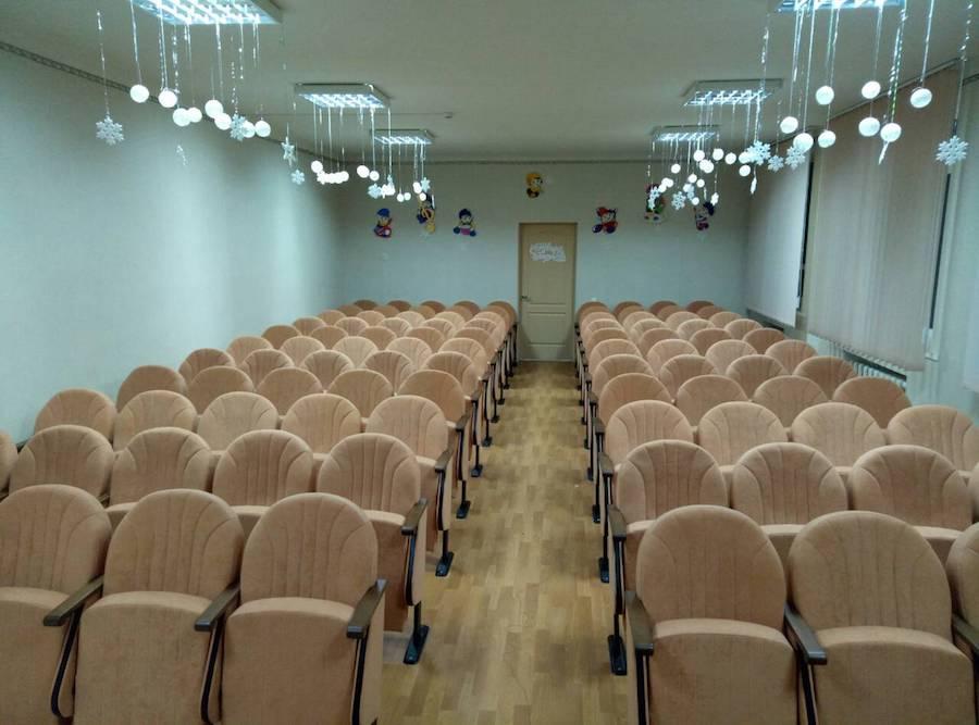 100 кресел для актового зала школы в Днепропетровской области