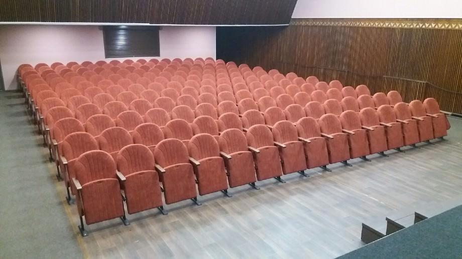 В Кременчуге обновлен зрительный зал Дворца культуры