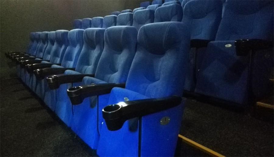 Новые комфортабельные кинотеатральные кресла для зрителей!