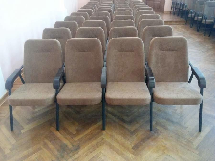 Для лесо-охотничьего хозяйства в Житомирской области изготовлены секции кресел Эспера
