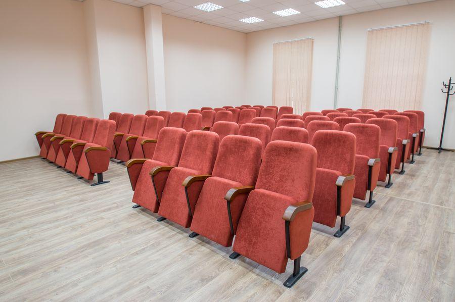 Кресла нашего производства в ХНУ им В.Н. Каразина