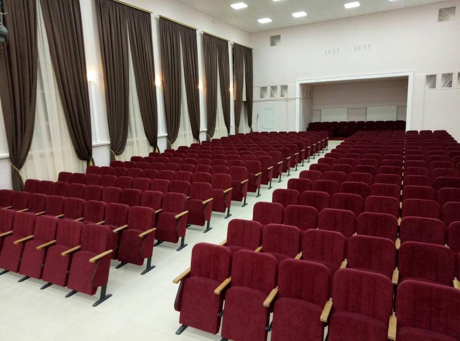 192 новых кресла для дома культуры в Кировоградской области