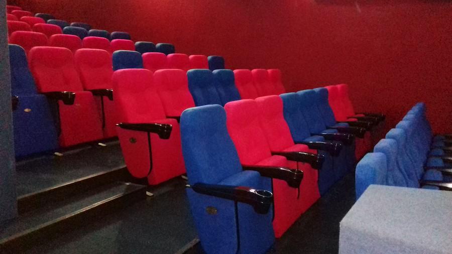 78 кресел для детского кинотеатра «Кадр» в Киеве