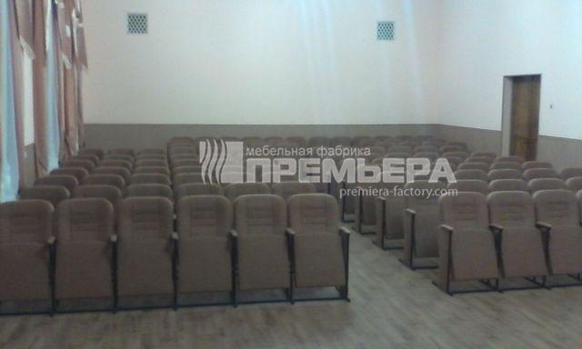 В доме культуры поселка Комсомольское установлены 114 театральных кресел