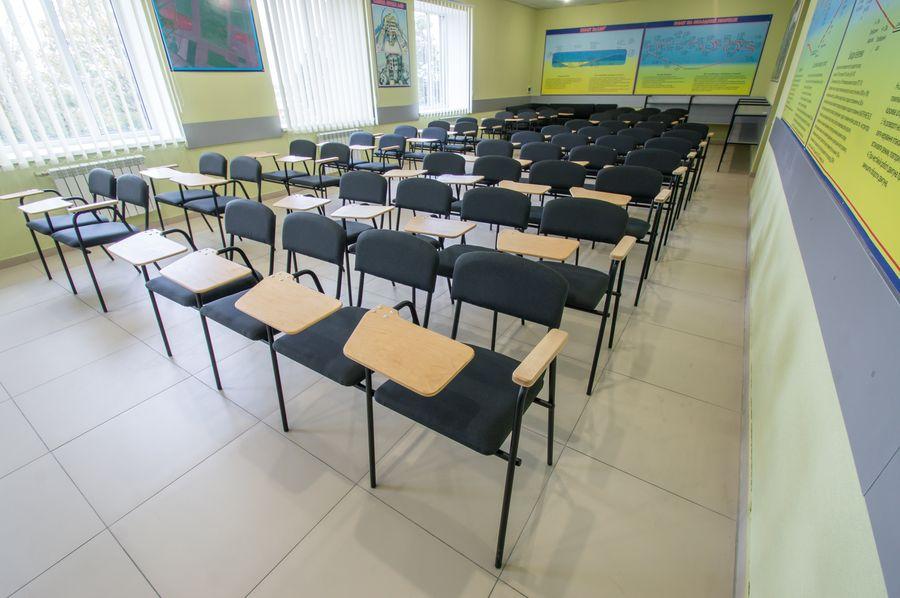 Новинка каталога: стулья со столиком для учебного центра в Чугуеве